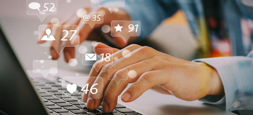 Nhà quản lý truyền thông mạng xã hội