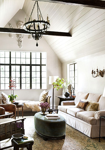 tạo sự tương phản giữa dầm với trần nhà