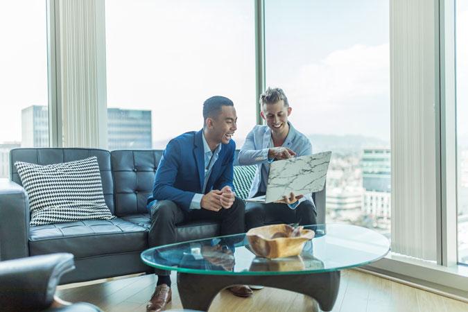 Lợi ích của ROI trong việc ra quyết định đầu tư