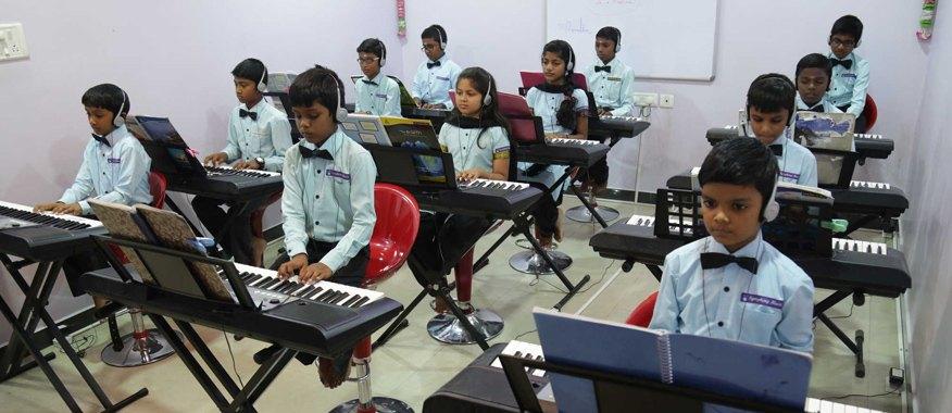 mở lớp dạy nhạc