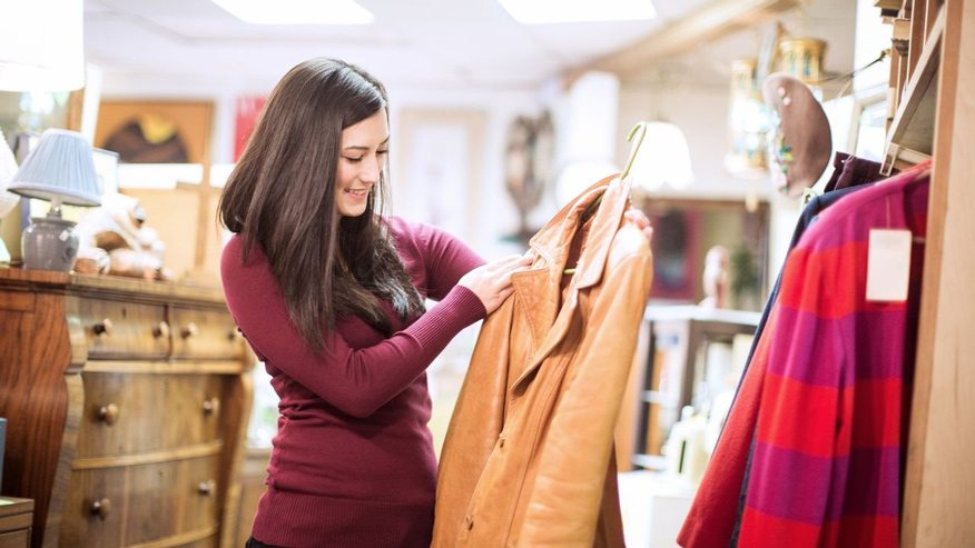 nhân viên cần có kiến thức nền tảng về thời trang