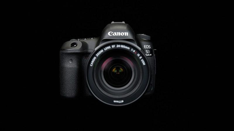 máy ảnh hoặc điện thoại