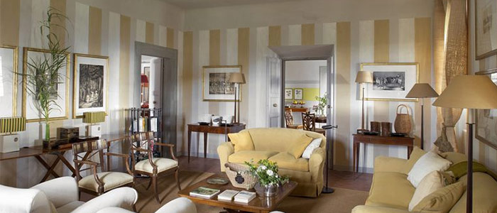 căn phòng khách mang màu sắc Ý