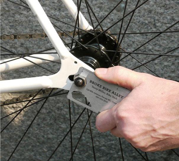 card visit làm dụng cụ sửa xe 2
