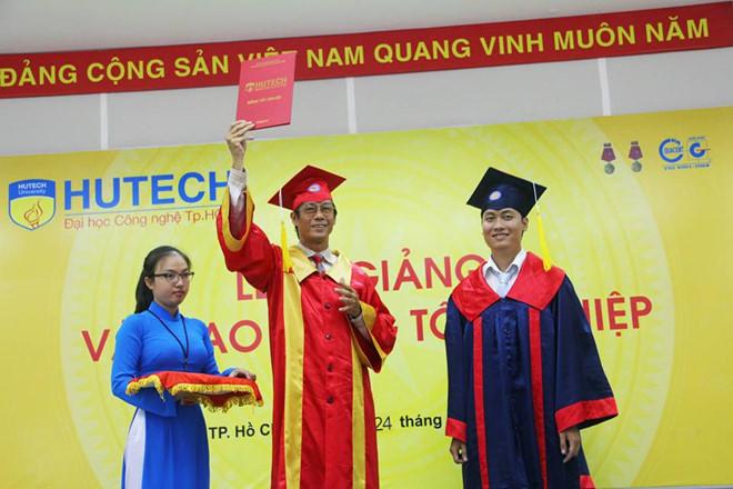 đại học công nghệ tphcm