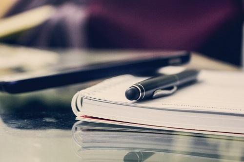 Hình Powerpoint nền đẹp cái bút