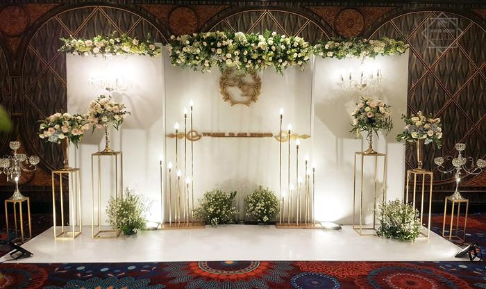 mẫu backdrop tiệc cưới đẹp
