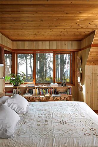phòng ngủ ấm áp và mộc mạc