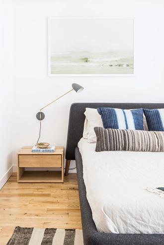 sử dụng đồ nội thất phòng ngủ có chân đế thấp