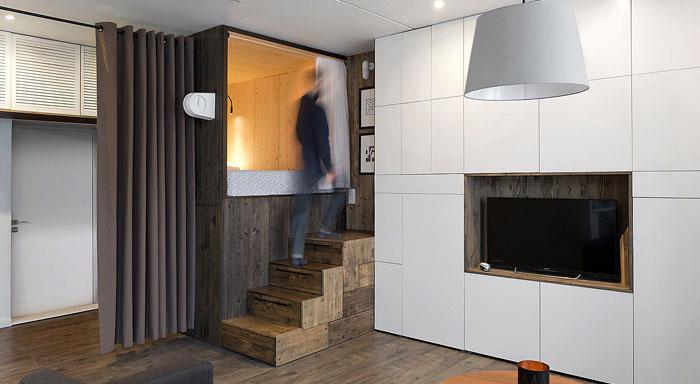 sử dụng kết cấu tương phản giữa trần và sàn nhà