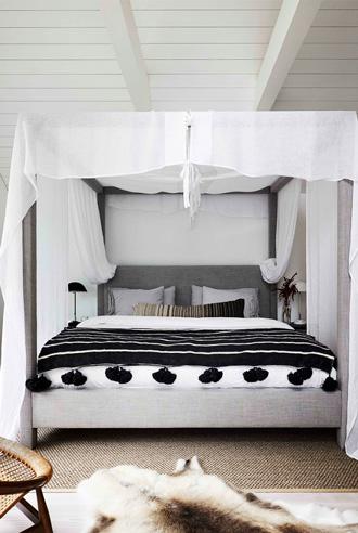 sử dụng khung rèm giường ngủ kiểu lều trại